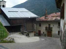 Maso rustico e casa da ristrutturare